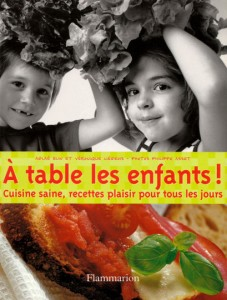 A table les enfants!